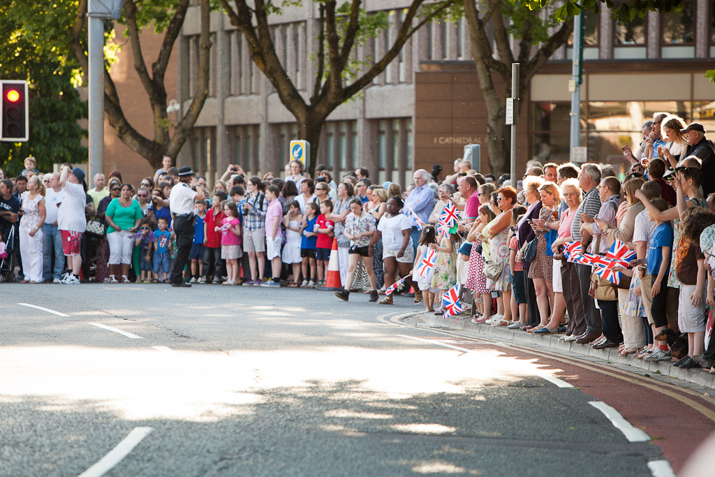 Cardiff crowd and the Olympic Flame in Pontcanna